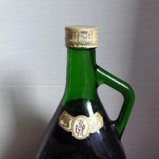 Botellas antiguas: ANTIGUA BOTELLA PEREZ TEXEIRA MALAGA. VER FOTOS. Lote 195551872