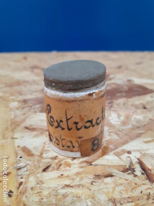 FRASCO DE FARMACIA ALBARERO DE OPALINA EXTRACTO CASTAÑO DE INDIAS // CON CONTENIDO (Coleccionismo - Botellas y Bebidas - Botellas Antiguas)