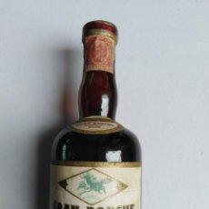 Botellas antiguas: BOTELLA MINIATURA GRAN PONCHE BARCELO. Lote 198155292