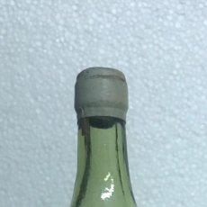 Botellas antiguas: BOTELLÍN BRANDY PRINCIPE DE LARIOS MALAGA. Lote 202033618
