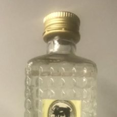 Botellas antiguas: BOTELLÍN GINEBRA HÉLICE. DESTILERÍAS MOREY. Lote 206421510