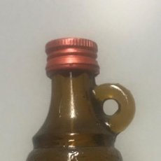 Botellas antiguas: BOTELLÍN GINEBRA XORIGUER. MAHÓN. Lote 206422060