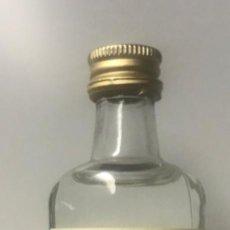 Botellas antiguas: BOTELLÍN GINEBRA VIDAL. MALLORCA. Lote 206422425