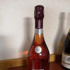 Botellas antiguas: BOTELLA CODORNIU PINOT NOIT CUVEE BRUT RESERVA SIN DESCORCHAR. Lote 208146047