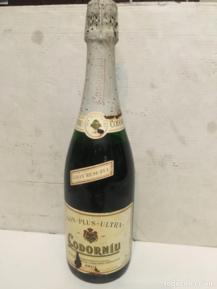 (M-R/C) ANTIGUA BOTELLA DE CAVA CODORNIU GRAN RESERVA NON-POLUS-ULTRA BRUT R.S.I.30-279/13 - EMB 375 (Coleccionismo - Botellas y Bebidas - Botellas Antiguas)
