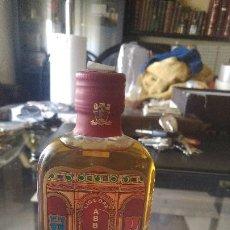 Botellas antiguas: BOTELLA LIQUORE ABBAZIA. S. PAOLO. PP BENEDETTINI. Lote 210823057