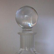 Botellas antiguas: BOTELLA LICORERA CRISTAL DE ROCA 1398 GR ALTURA 28 CM BASE 9 X 9 CM TAPON CUELLO CRISTAL NO PLASTICO. Lote 219606778