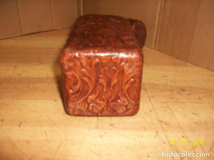 Botellas antiguas: BOTELLA FORRADA EN PIEL - Foto 7 - 220238028