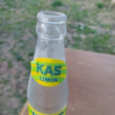 Botellas antiguas: BOTELLA KAS. Lote 221623611