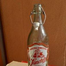 Botellas antiguas: BOTELLA DE GASEOSA SÁNCHEZ DE PONFERRADA LEON 1 L. Lote 222179446