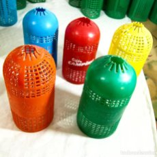 Botellas antiguas: CINCO FUNDA, MALLA DE SIFÓN - DISTINTO COLOR. Lote 224664277