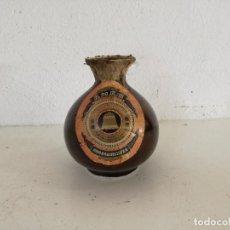Botellas antiguas: BOTELLA DE CERÁMCIA DE LICOR CHINO, VACÍA, UNOS 15 CMS. DE ALTO. Lote 225769938