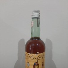 Botellas antiguas: BRANDY DECANO CABALLERO COÑAC. Lote 225779213