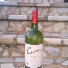 Botellas antiguas: BOTELLA CUNE RIOJA 2013 CRIANZA 1'5L ,VACIA. Lote 232839765