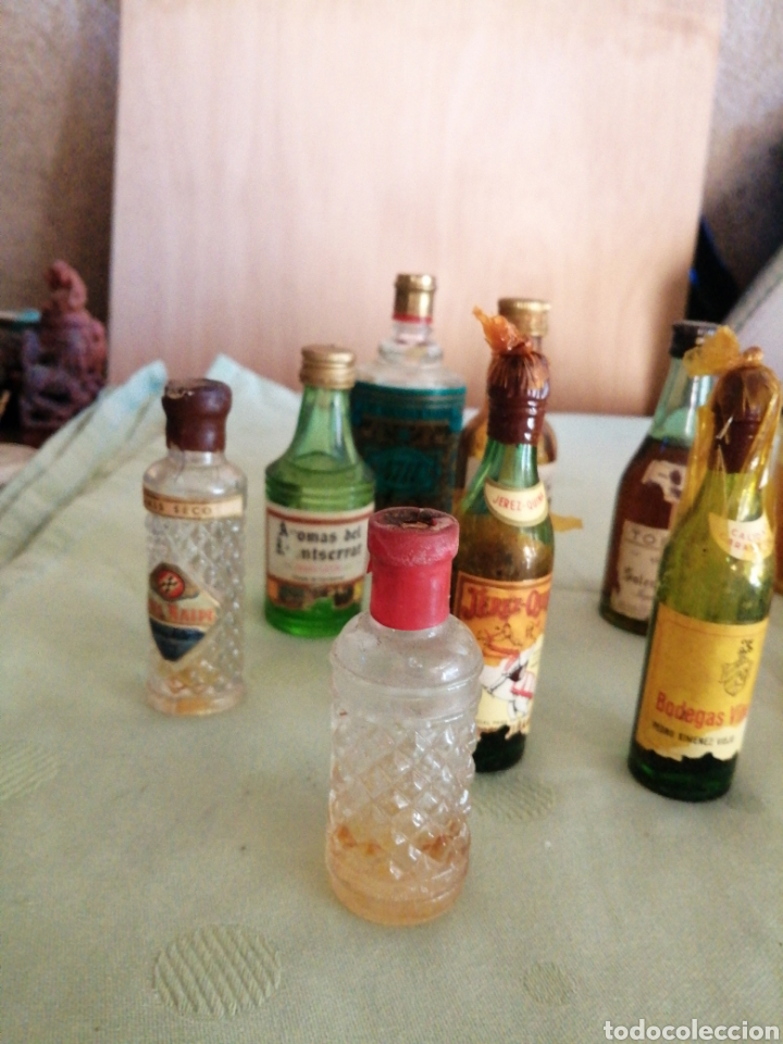 Botellas antiguas: Lote de varías botellas en miniatura - Foto 2 - 234682825