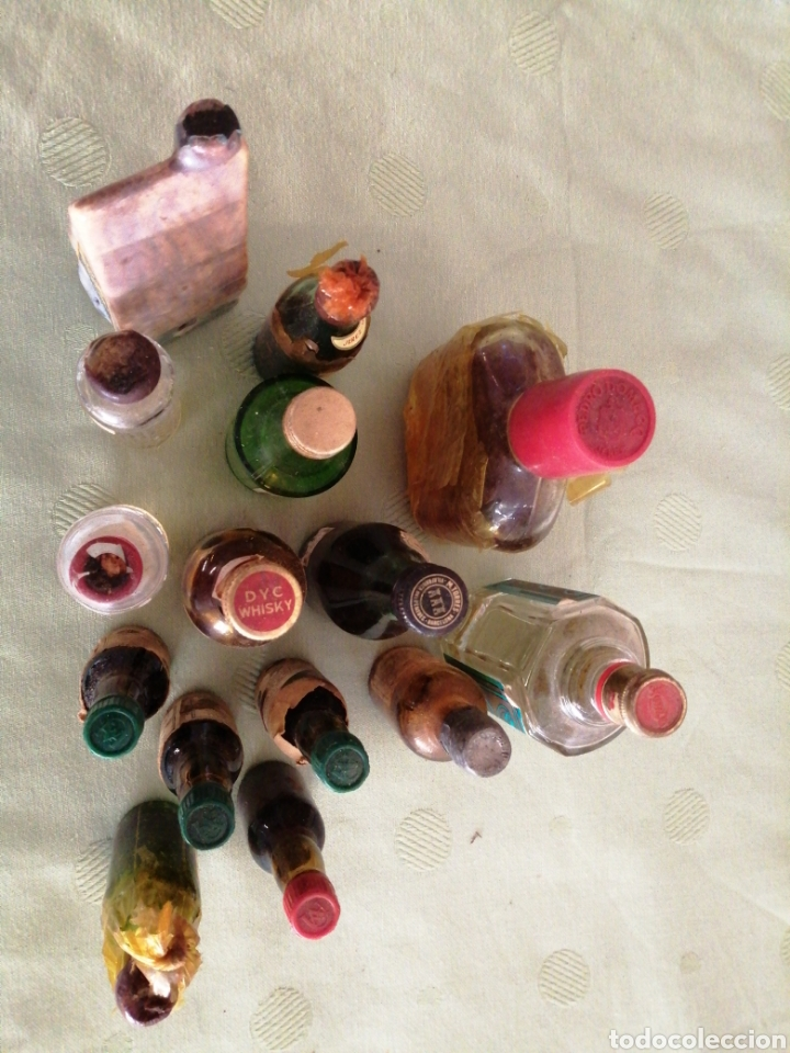 Botellas antiguas: Lote de varías botellas en miniatura - Foto 9 - 234682825