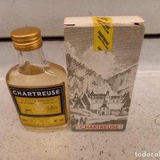Botellas antiguas: BOTELLA DE CHARTREUSE. Lote 236081925