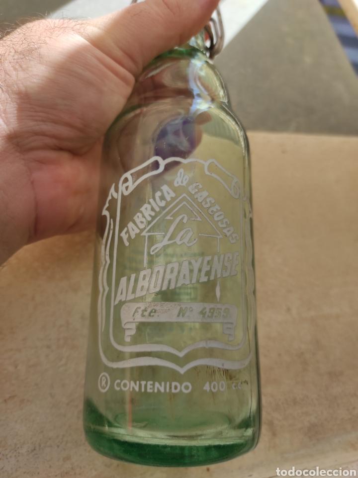 Botellas antiguas: Antigua Botella Fábrica de Gaseosas La Alborayense - Valencia - Formato Raro de 400 c.c - - Foto 3 - 237588970