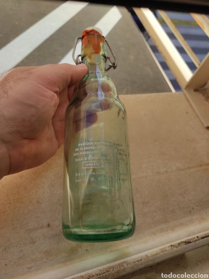 Botellas antiguas: Antigua Botella Fábrica de Gaseosas La Alborayense - Valencia - Formato Raro de 400 c.c - - Foto 6 - 237588970