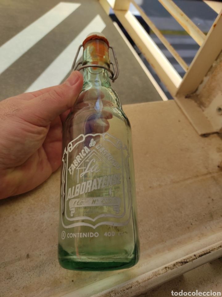 Botellas antiguas: Antigua Botella Fábrica de Gaseosas La Alborayense - Valencia - Formato Raro de 400 c.c - - Foto 12 - 237588970