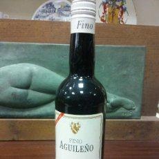 Bottigglie antiche: BOTELLA FINO AGUILEÑO. DO MONTILLA MORILES. MEDIDAS DIAMETRO 7 CM ALTO 30 CM. Lote 244584925