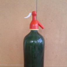 Botellas antiguas: ANTIGUO SIFON VERDE OSCURO SIN MARCA. Lote 246265760