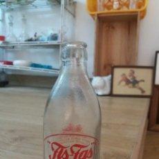 Botellas antiguas: ANTIGUA BOTELLA. BOTELLÍN. REFRESCO FIS FAS. REFRESCO NATURAL. BUEN ESTADO. SERIGRAFIADA.. Lote 254876065