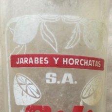 Botellas antiguas: JARABES Y HORCHATAS S.A. GILI REUS ANTIGUA BOTELLA 1 LITRO 32 X 8 CM RARA DIFICIL. Lote 255383875