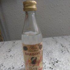 Botellas antiguas: MINI BOTELLA RON BLANCO BARDINET. Lote 277586843