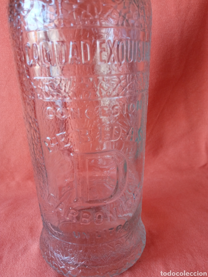 Botellas antiguas: Antigua Botella de gaseosa 1L. SANTIAGO DAURELLA BARCELONA letras en relieve - Foto 4 - 287109043
