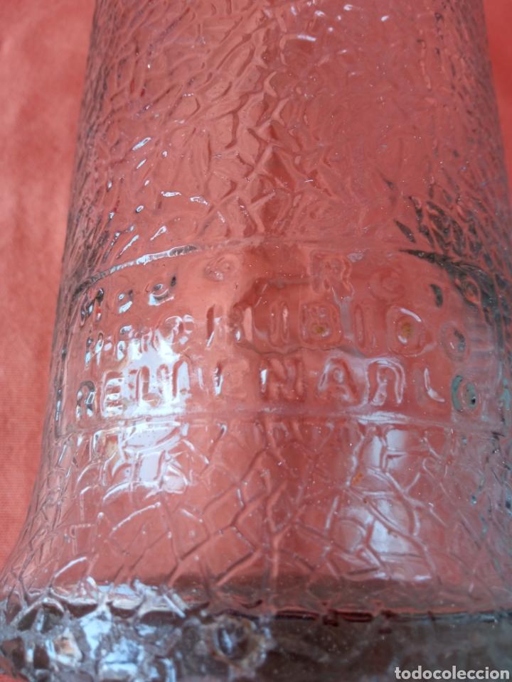 Botellas antiguas: Antigua Botella de gaseosa 1L. SANTIAGO DAURELLA BARCELONA letras en relieve - Foto 7 - 287109043