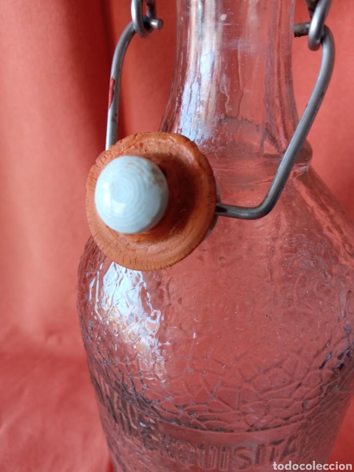 Botellas antiguas: Antigua Botella de gaseosa 1L. SANTIAGO DAURELLA BARCELONA letras en relieve - Foto 11 - 287109043