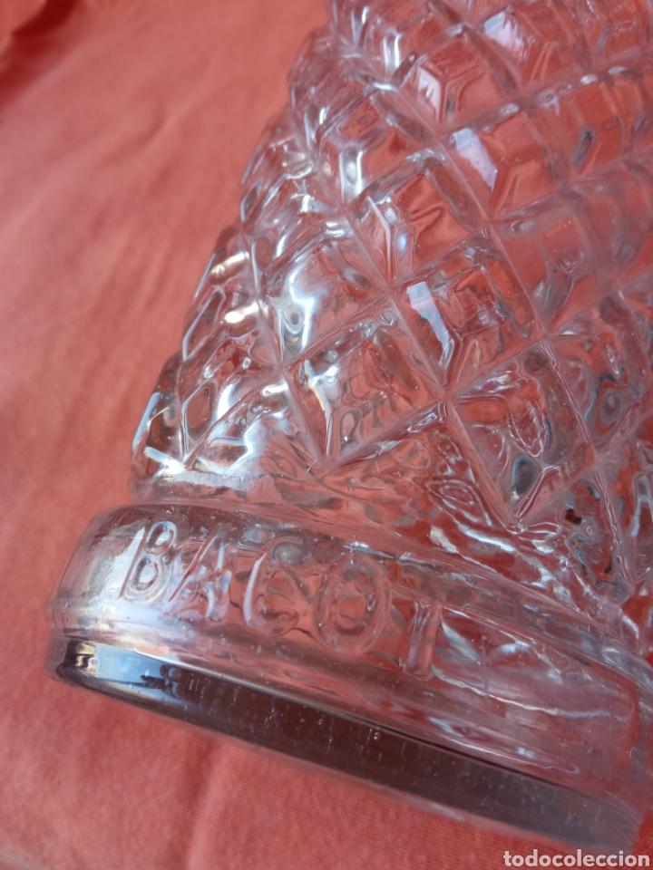 Botellas antiguas: Antigua botella anís cristal en relieve BACOT - Foto 2 - 287111163