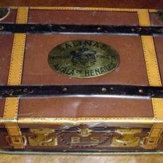 Cajas y cajitas metálicas: ANTIGUA CAJA DE HOJALATA LITOGRAFIADA . Lote 13742082
