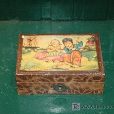 Cajas y cajitas metálicas: VIEJA CAJA-JOYERO DE MADERA DECORADA. Lote 26844690