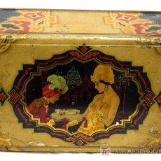 Cajas y cajitas metálicas: CAJA DE LATA LITOGRAFIADA MOTIVO ART DECÓ ORIENTAL SEÑORA Y SIRVIENTE AÑOS 30. Lote 4516415