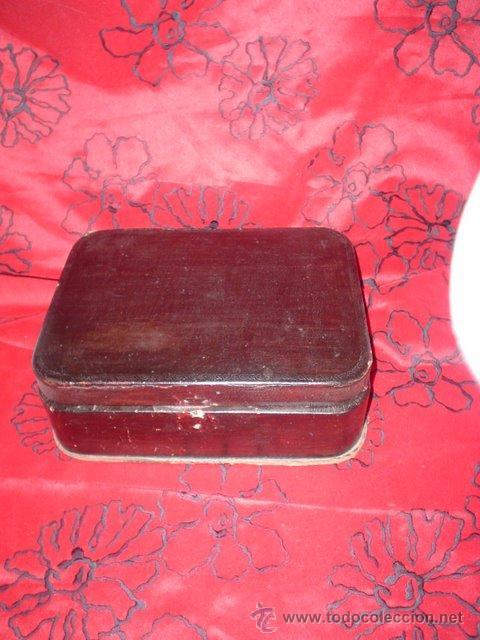 ANTIGUA CAJA DE PIEL (Coleccionismo - Cajas y Cajitas Metálicas)