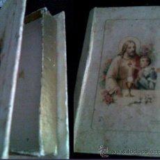 Cajas y cajitas metálicas: CAJITA FORMA DE LIBRO PARA GUARDAR RECORDATORIOS O MISAL DE 1ª COMUNIÓN. Lote 26762239