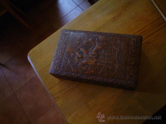 CIGARRERA DE MESA (Coleccionismo - Cajas y Cajitas Metálicas)