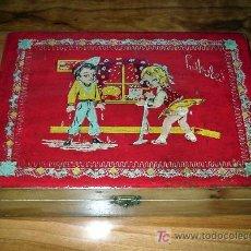 Cajas y cajitas metálicas: ANTIGUA CAJA DE LABORES. Lote 26522839