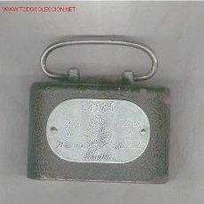 Cajas y cajitas metálicas: HUCHA DE CAJA DE AHORROS DE MADRID, ANTIGUA. Lote 26416888
