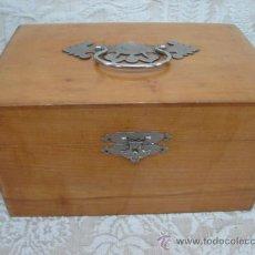 Cajas y cajitas metálicas: CAJA COSTURERO ANTIGUA DE MADERA . Lote 13113092