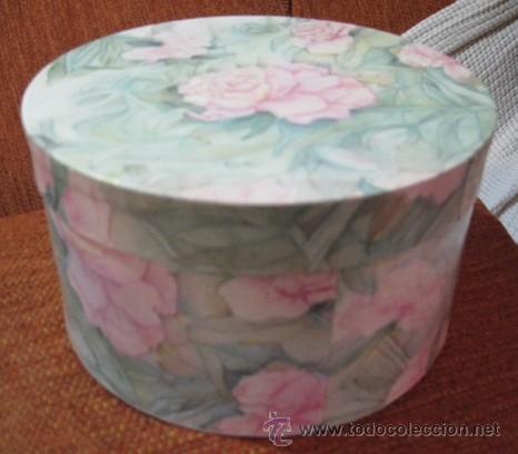 Bonita caja de cart n duro decorada con hojas c comprar cajas antiguas y cajitas met licas en - Cajas de carton bonitas ...