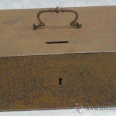 Cajas y cajitas metálicas: CAJA CAUDALES - HUCHA HIERRO - VER FOTOS. Lote 26891942