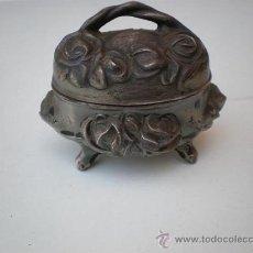 Cajas y cajitas metálicas: PEQUEÑO JOYERITO DE ESTAÑO. Lote 243342400