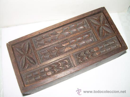 Cajas y cajitas metálicas: ANTIGUA Y BONITA CAJA DE MADERA TALLADA. - Foto 2 - 27551233