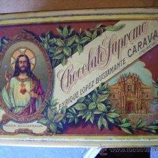 Cajas y cajitas metálicas: CHOCOLATE SUPREMO ENRIQUE BUSTAMANTE CARAVACA MURCIA ANTIGUA G DE ANDREIS 27X18X12 . Lote 26447106