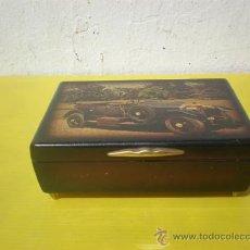 Cajas y cajitas metálicas: CAJA DE MADERA DIBUJO DE COCHE. Lote 25577369