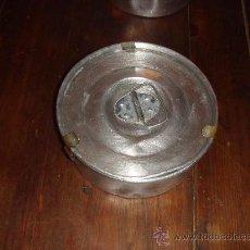 Cajas y cajitas metálicas: ANTIGUA FIAMBRERA DE ALUMINIO. Lote 26691732