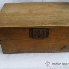 Cajas y cajitas metálicas: CAJA GRANDE DE MADERA. Lote 28190757